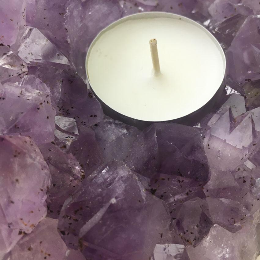 Teelichthalter aus einem Amethyst Kristall, Modell 5