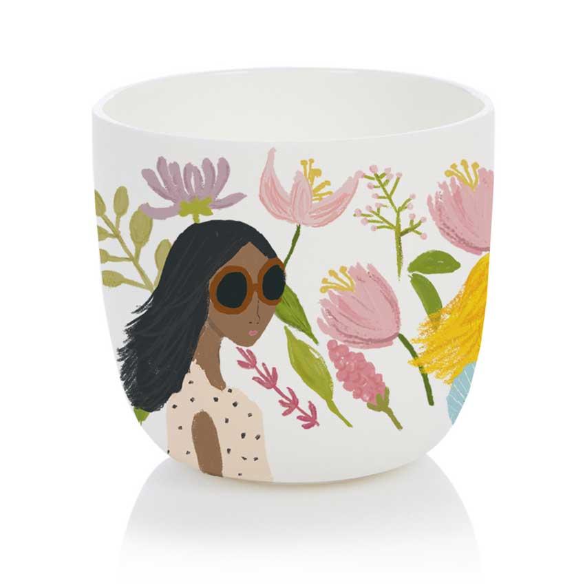 Flower Garden Girls - Porzellanbecher / Porzellantasse von Nelly Castro