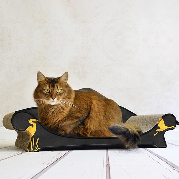 Le Canapé Plus - Farbwelt Goldener Kranich auf schwarz - Kratzmöbel für Katzen
