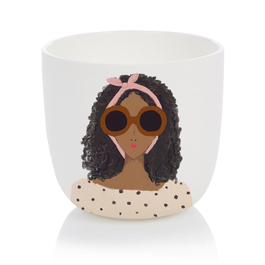 Georgeous Girl Cup - Porzellanbecher / Porzellantasse von Nelly Castro